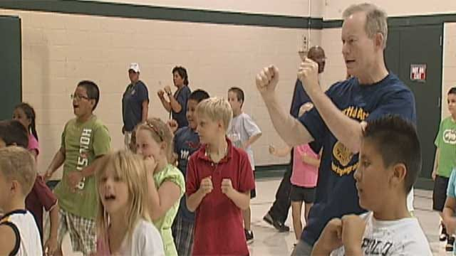 OKC Mayor Gets Fit With Kids At Fitness Camp