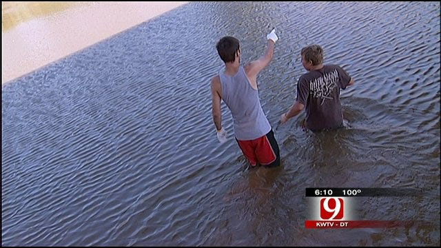 Teens Snag Fines Instead Of Fish While Noodling For Fundraiser