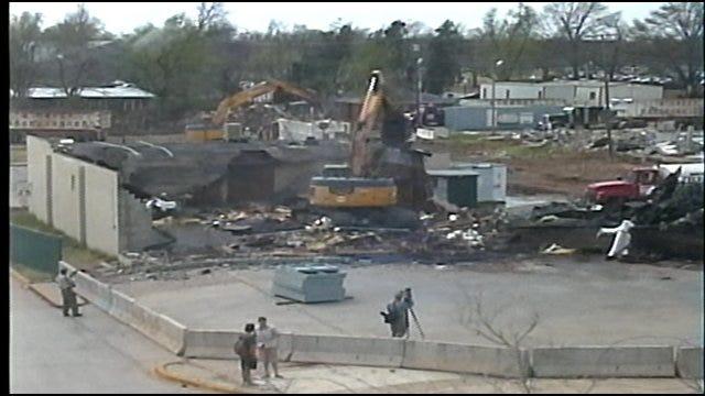 Crews Demolish Popular Pub In Norman While Patrons Watch