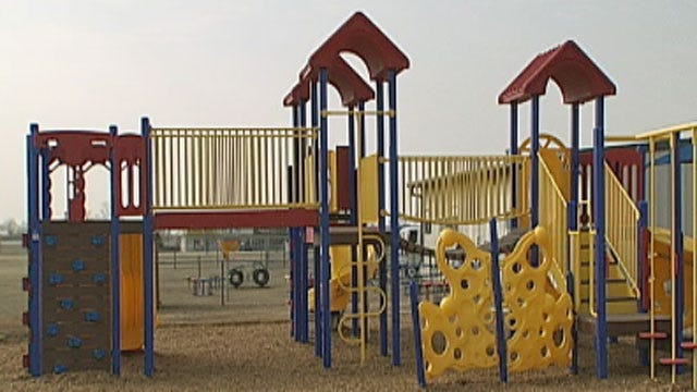 Midwest City Elementary School Gets New Playground