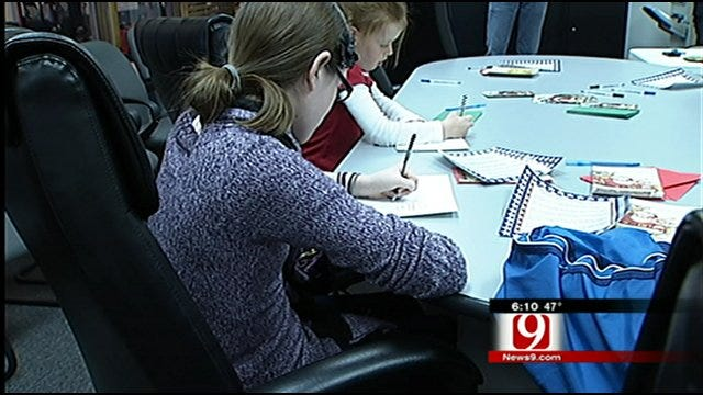 Oklahoma Woman On A Card Giving Mission For Veterans