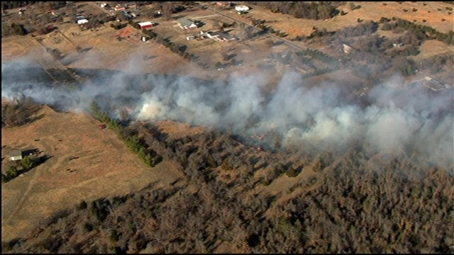 1 Structure Sustains Damage In Grass Fire Near Choctaw