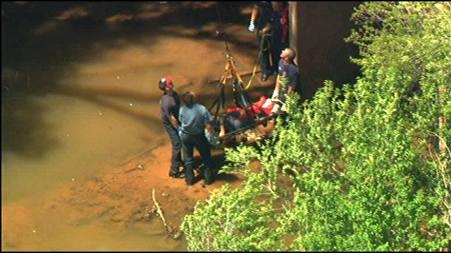 Oklahoma City Firefighters Pull Near-Drowning Victim From Creek