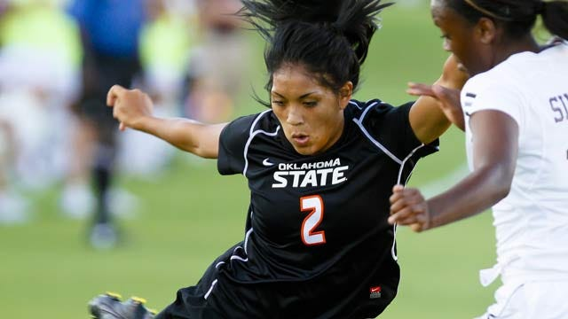 Thirteen Cowgirls, 12 Sooners Named Academic All-Big 12 For Soccer