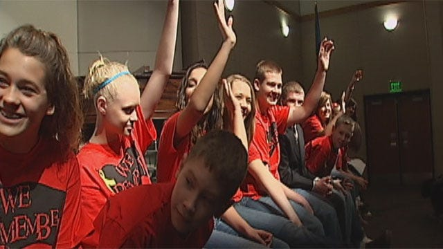 Students In Chandler Talk About Earthquake, Veterans Day