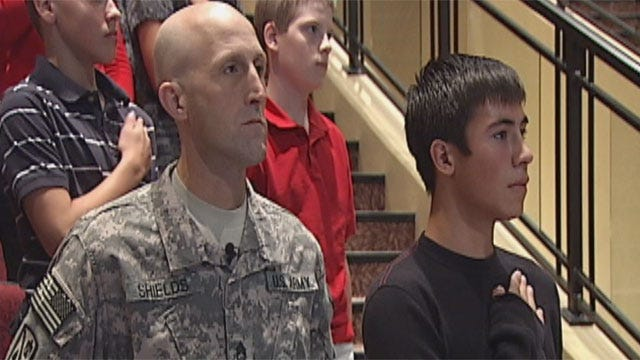 Weatherford Soldier Surprises Sons At School