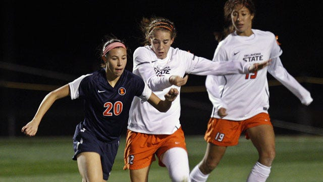 Cowgirl Soccer Advances To Sweet 16
