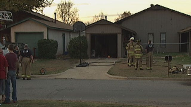 Passerby Alerts Residents In Oklahoma City House Fire