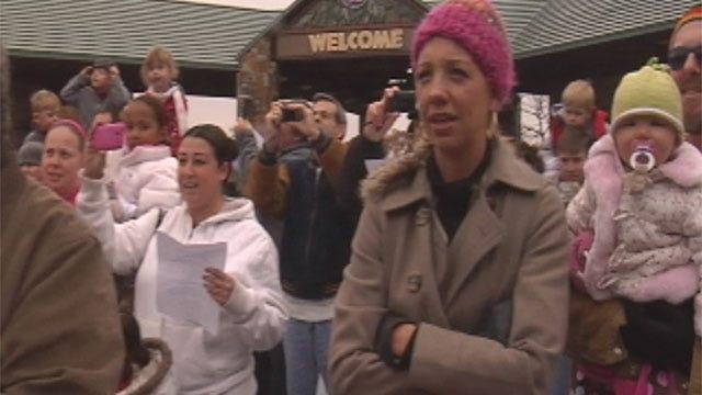 OKC Zoo Sing-Along Kicks Off Exhibit Featuring Christmas Hippo
