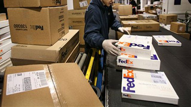 FedEx Expects Record Shipments During Holiday Season