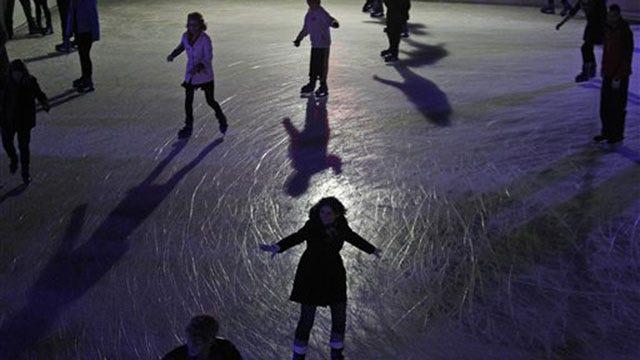 Metro Ice Rink Attractions Evoke Holiday Spirits