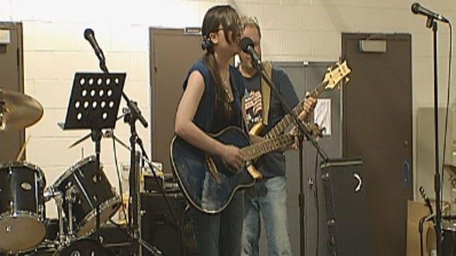 Benefit Concert Held In Edmond To Support Soldiers Overseas