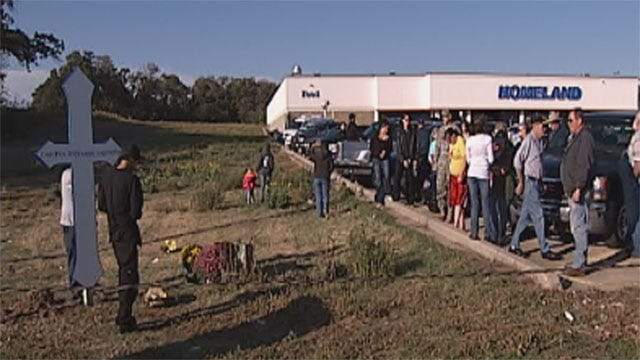 Family, Friends Put Up 8-Foot-Tall Cross In Memory Of Slain Bethany Teen