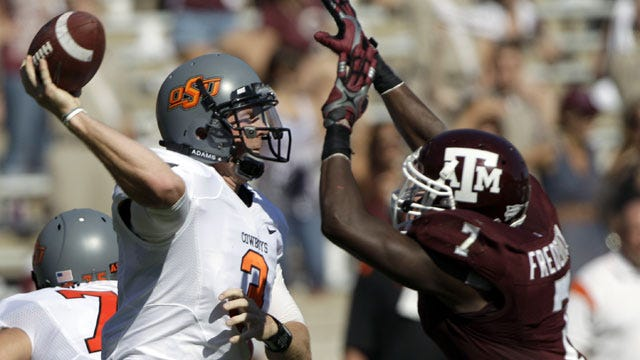 Big Third Quarter Lifts Oklahoma State To Win Over Aggies