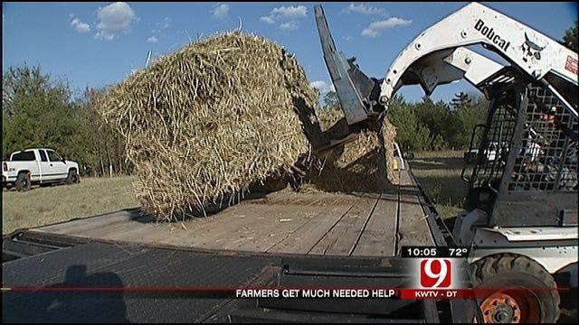 Teamsters Bring Free Hay For Oklahomans In Need