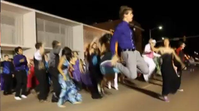Hennessey High School Students Recreate Movie Magic At Prom