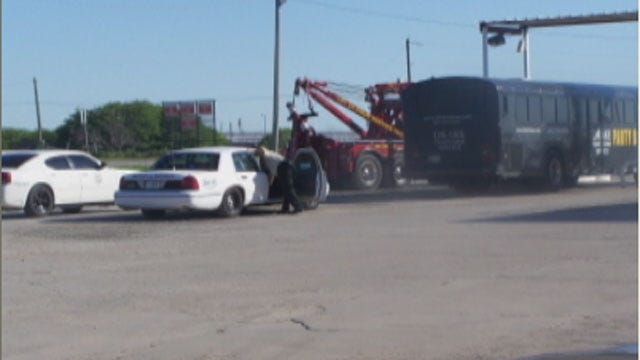 Comanche Teens Stranded On Prom Night After Party Bus Driver Arrested