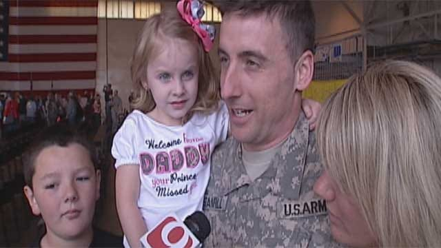 """Oklahoma Soldiers Get An """"All-Star"""" Welcome"""