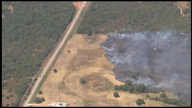 Firefighters Contain Grass Fire In Cleveland County