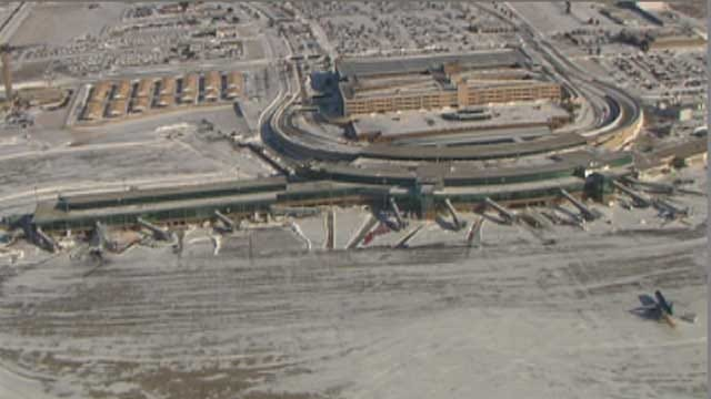 OKC Airport Prepping For Christmas Snowstorm