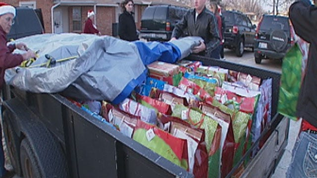 Volunteers Deliver Gifts To Mentally-Challenged Oklahomans