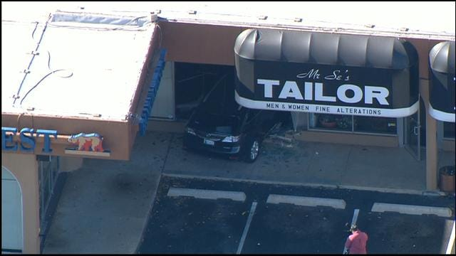 Driver Crashes Into Front Of NW OKC Business