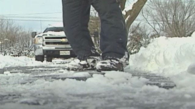 Oklahoma Emergency Crews Prep For Winter Weather
