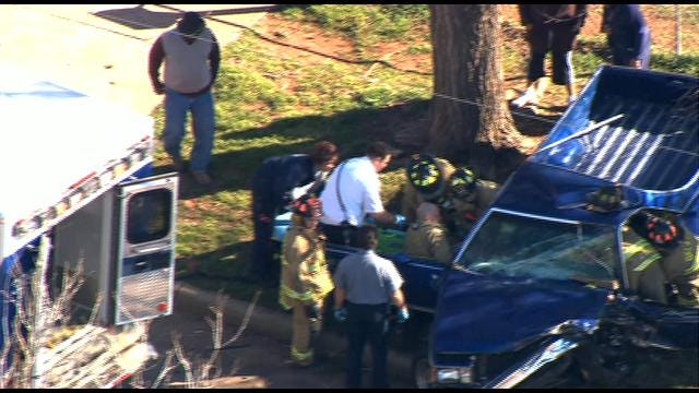 One Injured In Head-On Crash In Northeast Oklahoma City