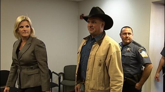 Testimony Underway In Garth Brooks' Lawsuit Against Yukon Hospital