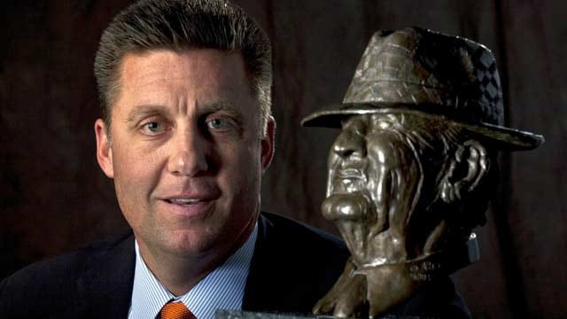 Mike Gundy Named Bear Bryant Coach of the Year