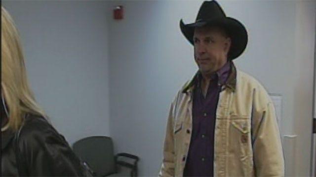 Oklahomans Respond To Garth Brooks' Lawsuit Against Hospital