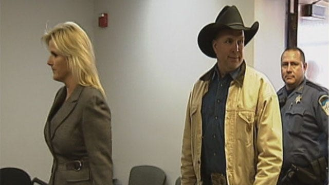 Closing Arguments Begin Tuesday In Garth Brooks' Yukon Hospital Lawsuit