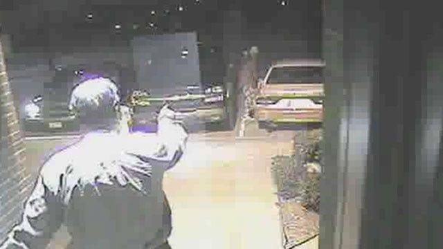 Car Burglary Suspect In OKC Caught On Video