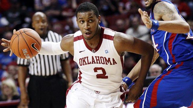 Big Second Half Lifts Kansas To Win Over Oklahoma