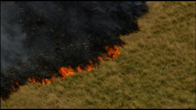 Firefighters Contain Grass Fire Near Chickasha