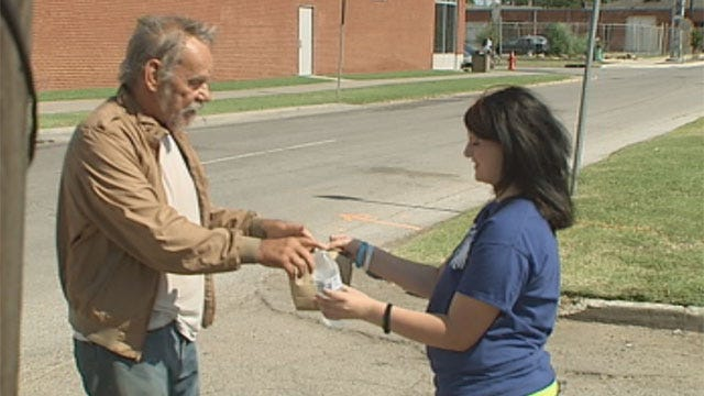 Girl Spends Independence Day Helping OKC Homeless