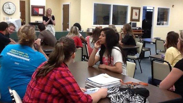 Lauren Nelson Speaks To Students At Wewoka High School