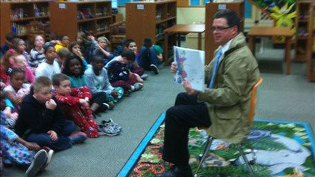 News 9's Jed Castles Reads To Kids To Celebrate Dr. Seuss's Birthday