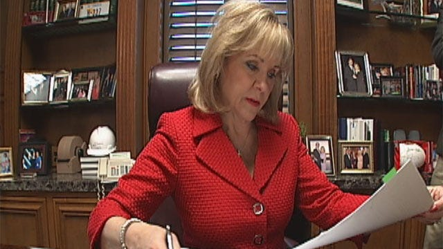 Fallin Not In Oklahoma To Welcome President Obama