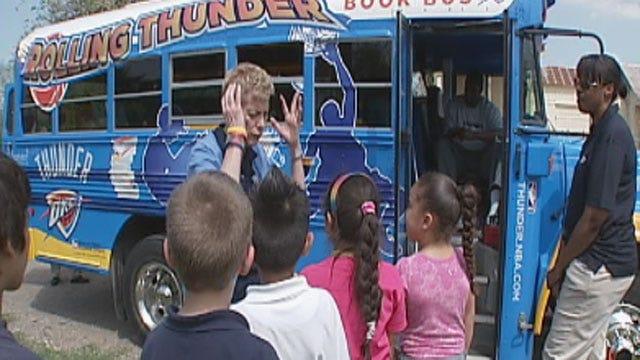 Thunder Players Visit OKC Elementary School Students