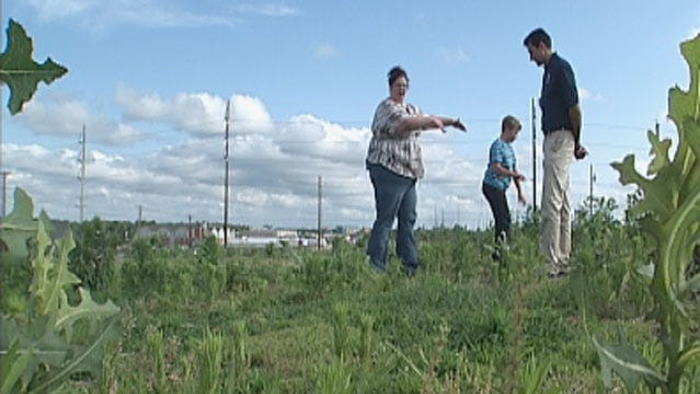 Survivors Of Massive Tornado In Joplin Come Together To Rebuild
