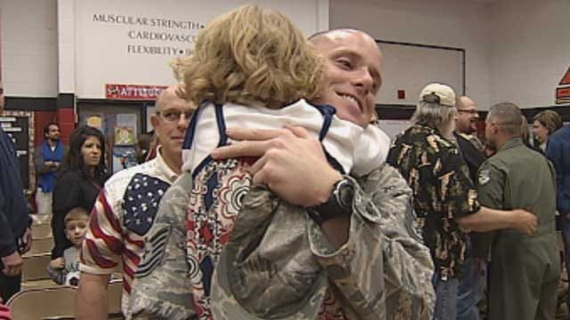 Oklahoma Airman Surprises Kids During Veterans Program At School