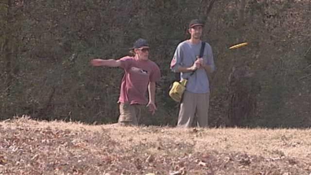 Police Seek Man Who Robbed Victim At Gunpoint At Norman Disc Golf Park