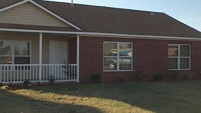 Oklahoma Family Frustrated With Delay On Habitat House