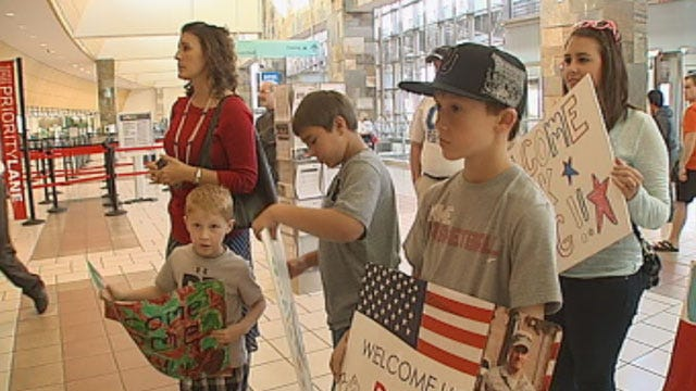 Choctaw Airmen, Family Reunite At Will Rogers Airport