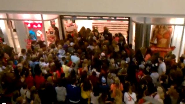 Oklahomans Hit The Stores For Black Friday Deals
