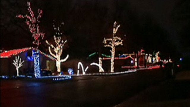 EMSA Offers Tips For Safely Installing Outdoor Christmas Lights