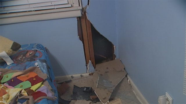 Warr Acres Family Grateful Child Unhurt After Car Crashes Into House