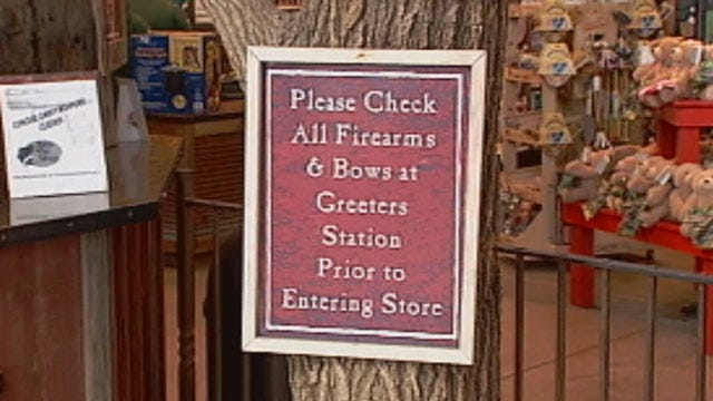 Metro Business Owners Decide Open Carry Policies