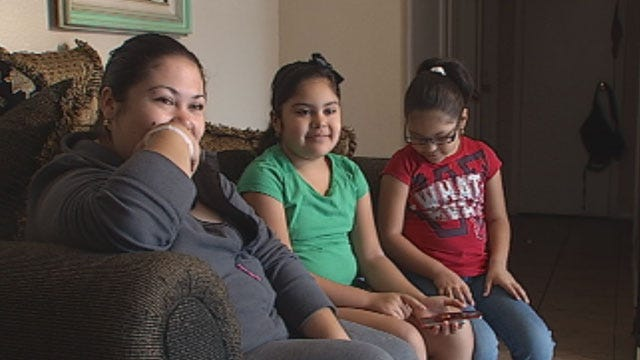 OKC Kids Keep Calm, Call 911 After Mom Suffers Seizure